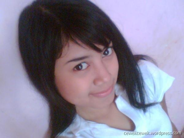 Gambar Hot Cewek Pose Nakal Trtrililiy